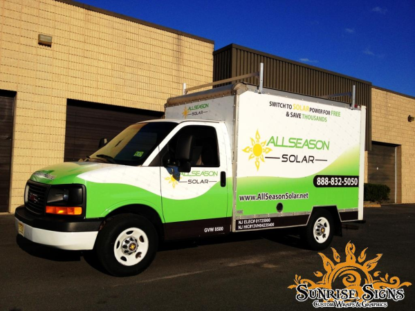Advertise with box truck graphic wraps