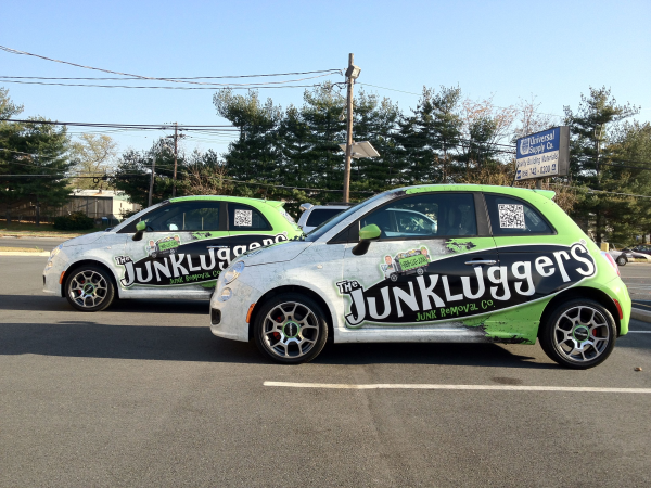 Junkluggers fleet of Fiat 500s with car wraps