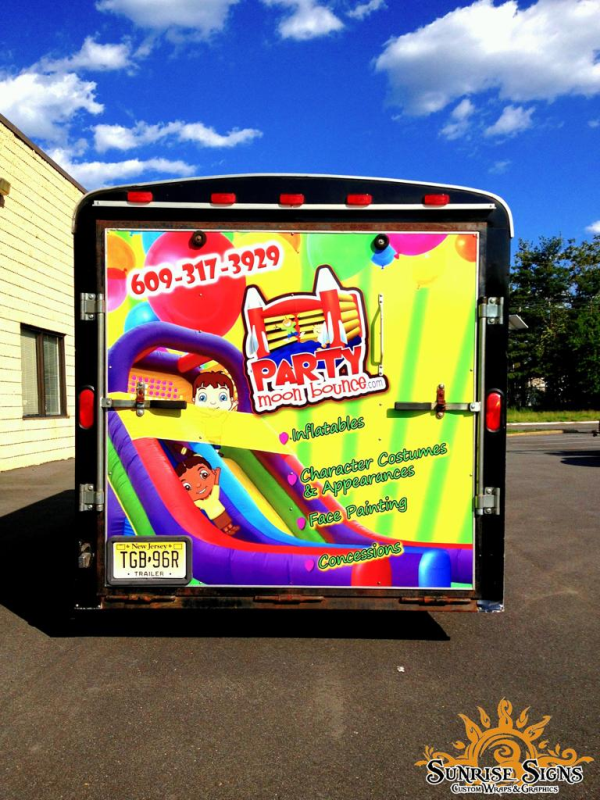 Advertise your company with trailer wraps