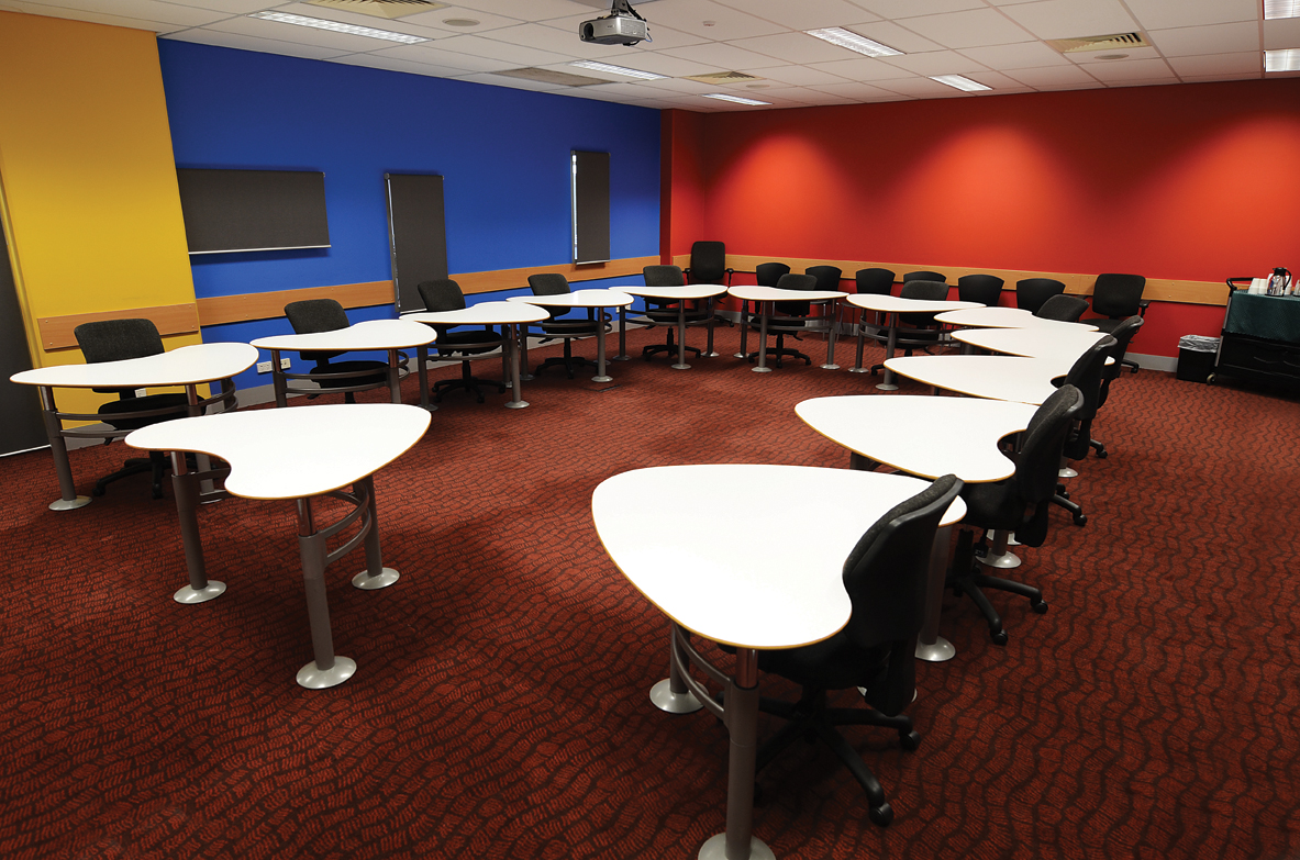 How to Dress Up a Corporate Training Room with Company Culture Graphics